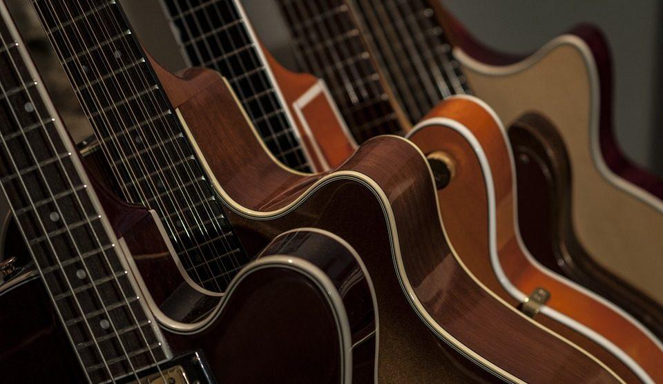 choisir une guitare en 2 étapes